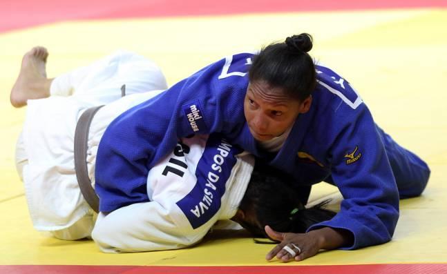 Yuri Alvear, ausente de los Juegos Olímpicos por lesión