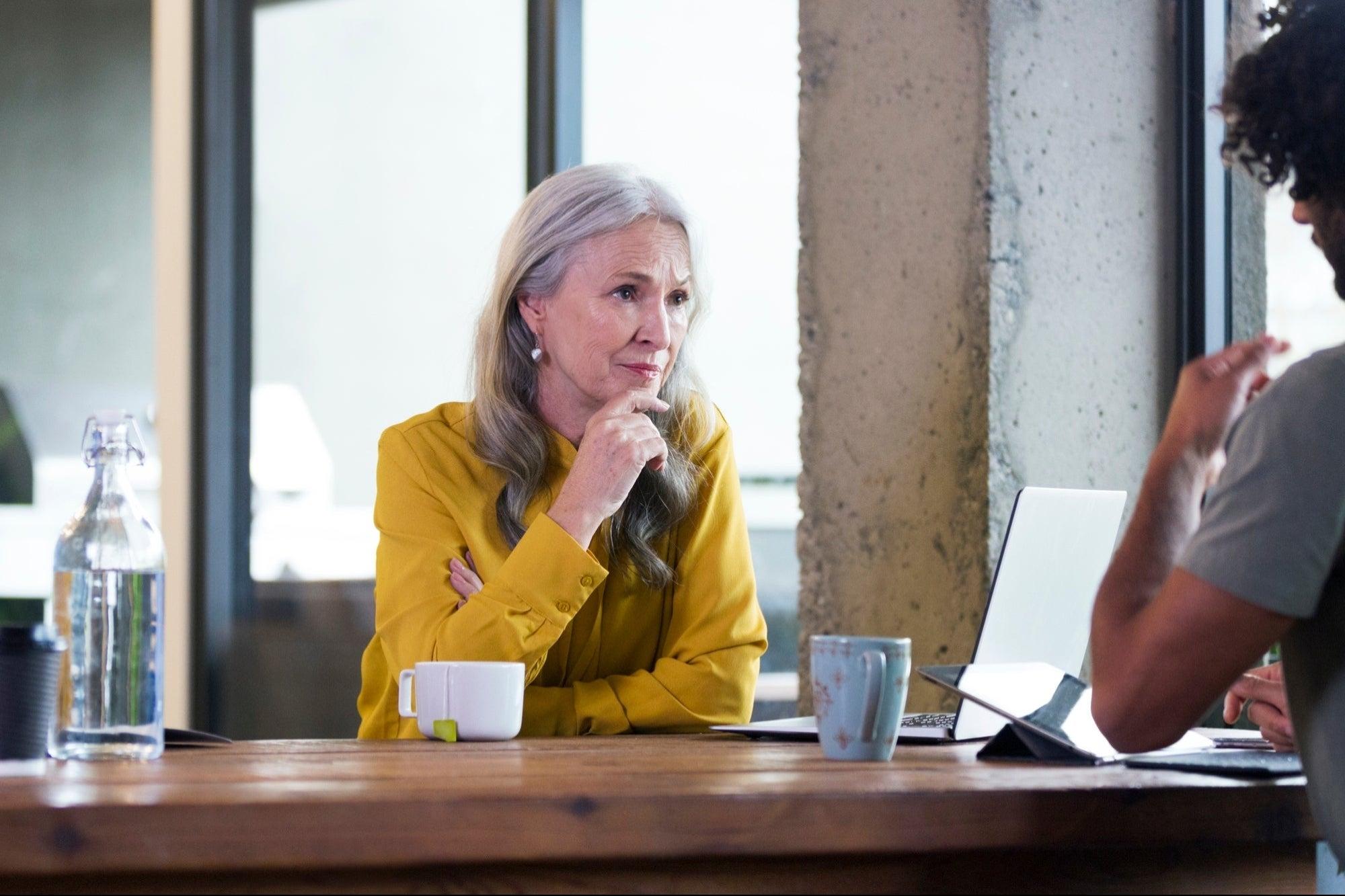 5 ventajas que tienen los trabajadores mayores sobre otros candidatos laborales