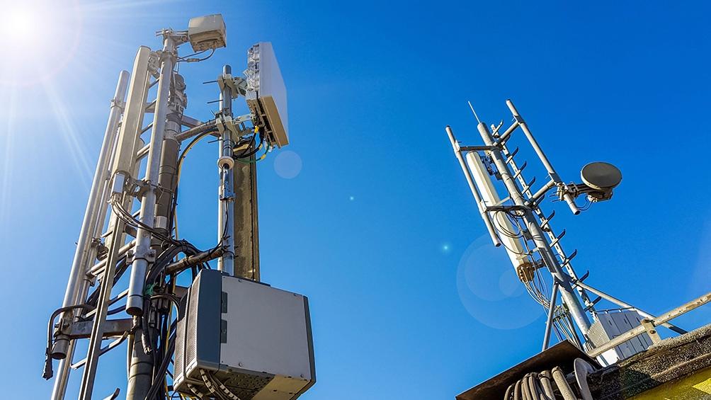 """Según el Enacom, el 5G """"ofrecerá ventajas sin precedentes en la industria, la educación y el entretenimiento, entre otras""""."""