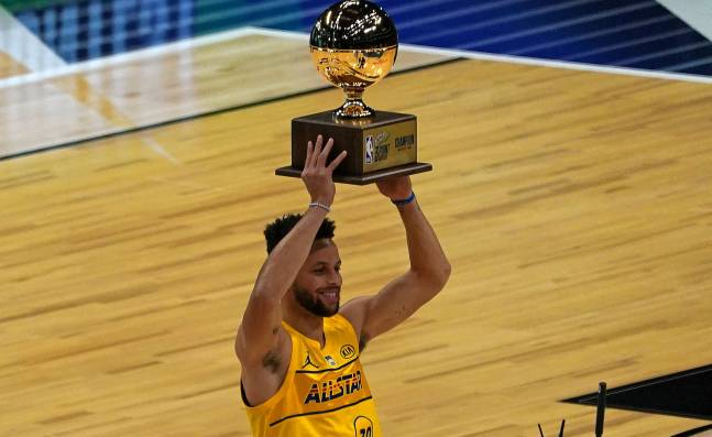 Curry conquista su segundo concurso de triples; Sabonis alza el de habilidades en la NBA