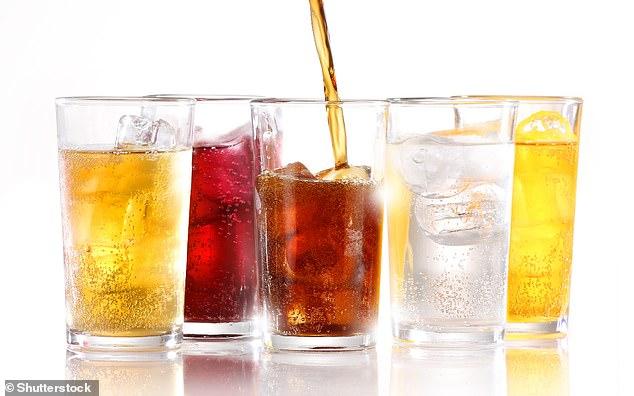 Incluso cantidades moderadas de fructosa y sacarosa agregadas duplican la producción de grasa del propio cuerpo en el hígado, según han demostrado investigadores de la Universidad de Zúrich.