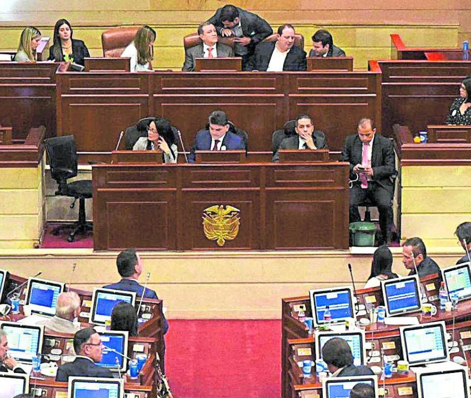 Finanzas públicas reciben alivios, pero sigue deficit fiscal en Colombia | Economía