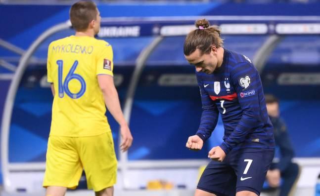 Holanda y Croacia arrancan con derrota, Francia decepciona con empate