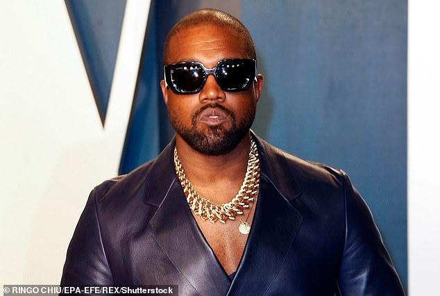 Multimillonario: Según los informes, Kanye West tiene un valor de $ 6.6 mil millones en gran parte debido a su marca de ropa y zapatillas Yeezy, que está valorada entre $ 3.2 mil millones y $ 4.7 mil millones por UBS Group AG.  Visto en julio de 2020