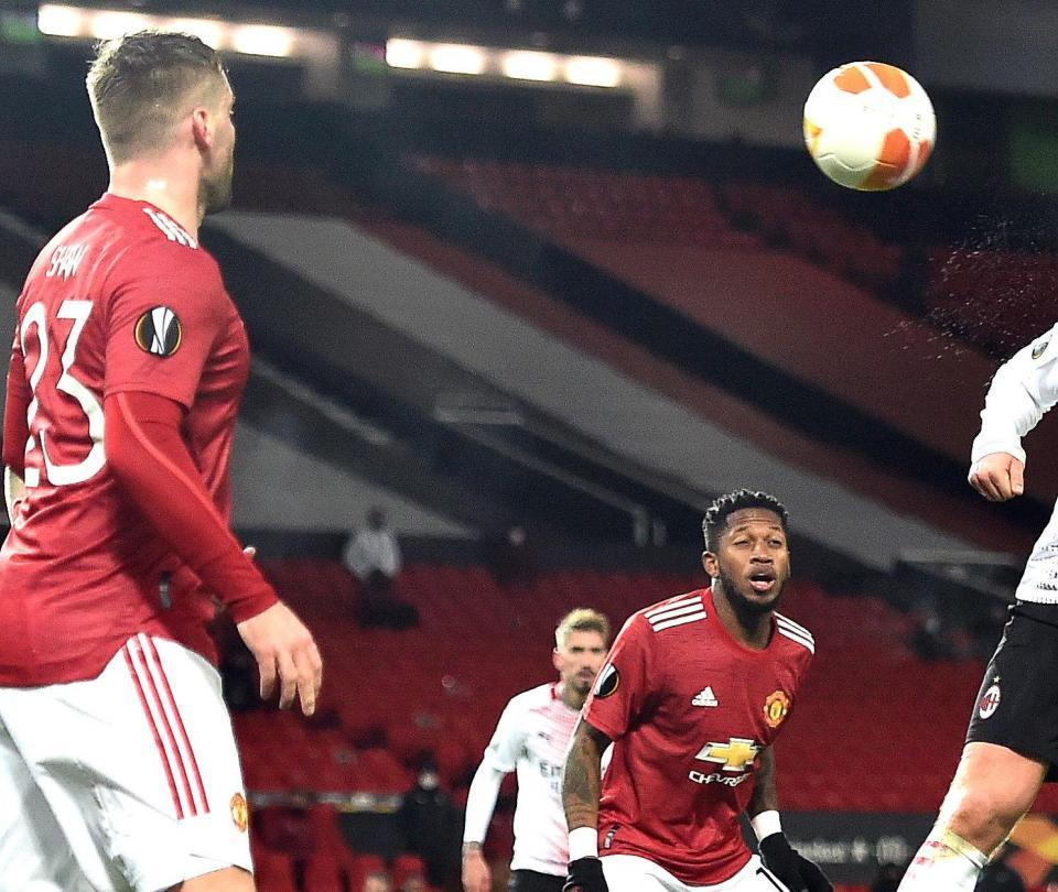 Manchester United empata con el Milan en la ida de octavos de la Europa League - Fútbol Internacional - Deportes