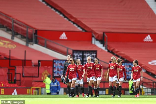 Manchester United Women tuvo su primer partido en Old Trafford el sábado contra West Ham