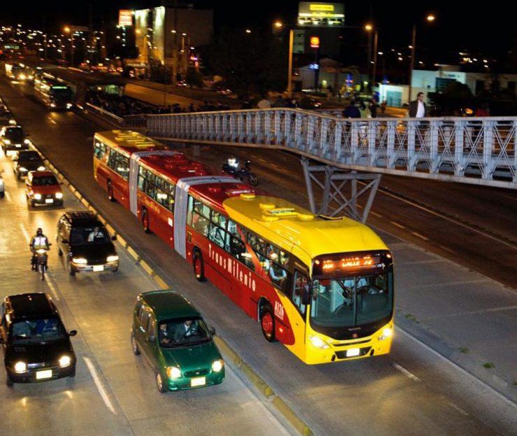 Pandemia dejó hueco de $2 billones en transporte masivo | Economía
