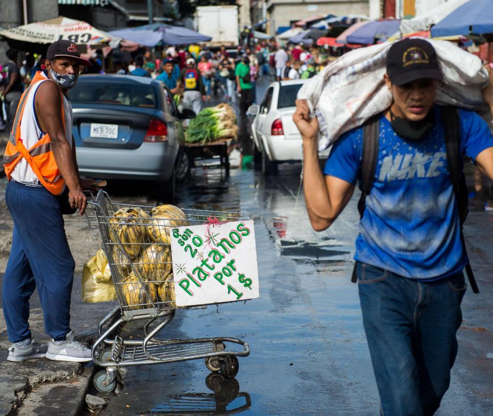 Presidente Duque firma decreto de protección de migrantes venezolanos | Gobierno | Economía