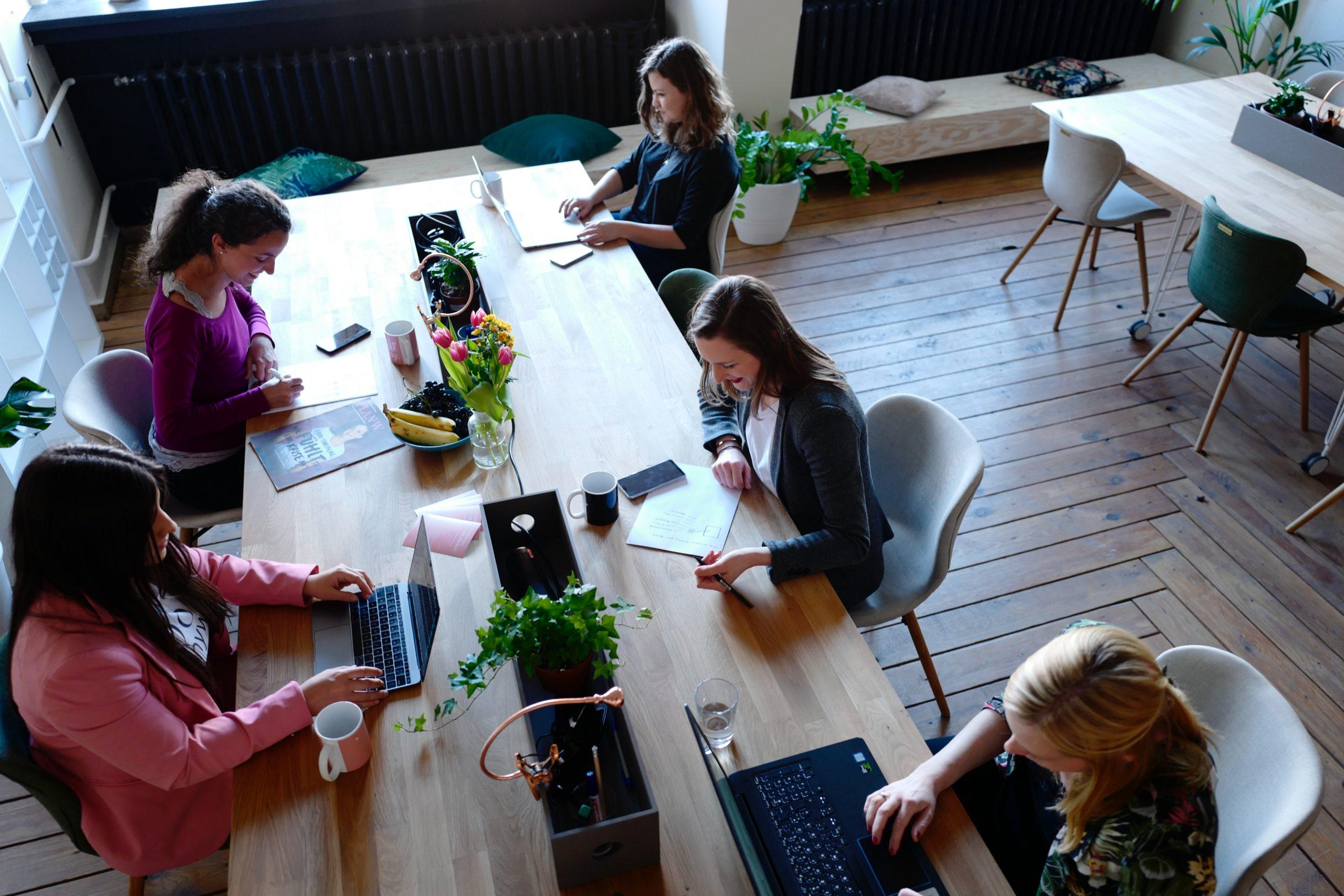 Rompiendo barreras: Mujeres en tecnología