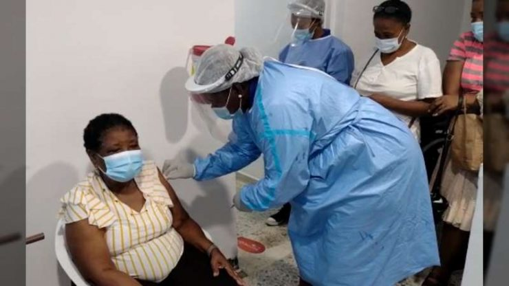 Amazonas, Arauca, Buenaventura, Cauca, Chocó, Córdoba, Guainía, Guaviare, Huila, Magdalena, Putumayo, Sucre y Vichada; no cumplieron el umbral de vacunación.
