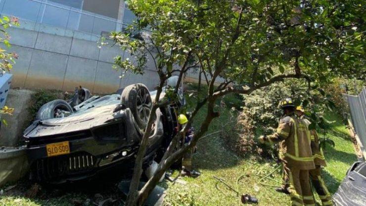 ¿Qué hay detrás de la caída de carro de parqueadero en Medellín? fallecido y heridos son de Buenaventura.