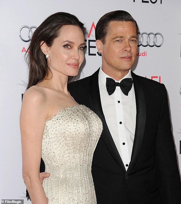 No es fácil: Angelina Jolie arrojó algo de luz sobre cómo se ha estado sintiendo desde que se divorció de Brad Pitt, con quien todavía está en una batalla por la custodia.  Jolie y Pitt vistos en 2015