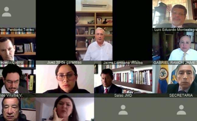 Audiencia del caso Uribe sigue sin decisión de fondo y se reanudará este viernes
