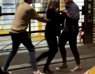 Altercado: Bryce Ruthven (derecha) de Casado At First Sight estuvo involucrado en un acalorado altercado en un popular local nocturno de Melbourne el sábado, luego de ser expulsado cuando cuatro extraños, dos hombres y dos mujeres, supuestamente lo atacaron a él y a sus compañeros.