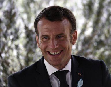 El presidente francés, Emmanuel Macron, sonríe durante su visita a la Unidad de trastornos del espectro autista (TEA) en el Hospital Alpes-Isere en los Alpes franceses la semana pasada.