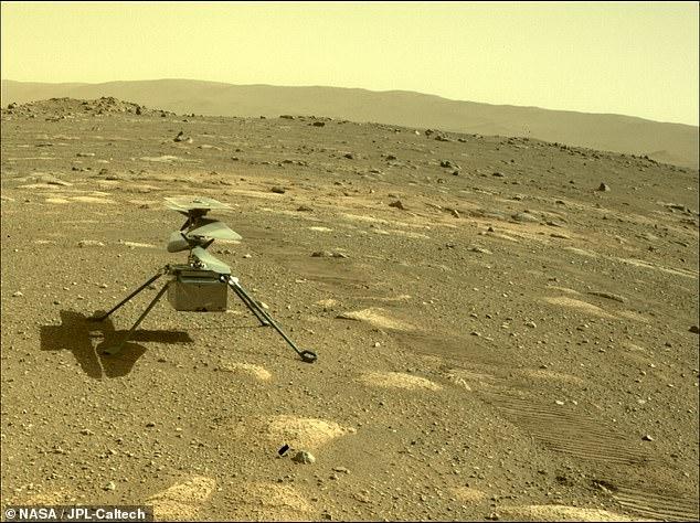 El helicóptero Ingenuity de la NASA ha sobrevivido a su primera noche en Marte, luego del despliegue desde el vientre del rover Perseverance el sábado.  El helicóptero de $ 85 millones completó la primera prueba importante de su misión.