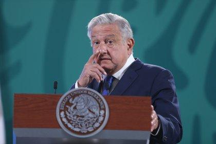 Muchos especialistas aseguran que el presidente López Obrador ha utilizado sus conferencias matutinas como un acto de propaganda (Foto: EFE)