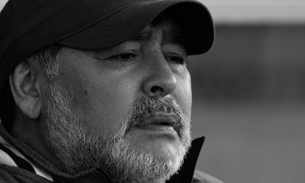 """Escalofriante documental: denuncian que Maradona no tuvo """"mínima atención"""" médica antes de morir"""
