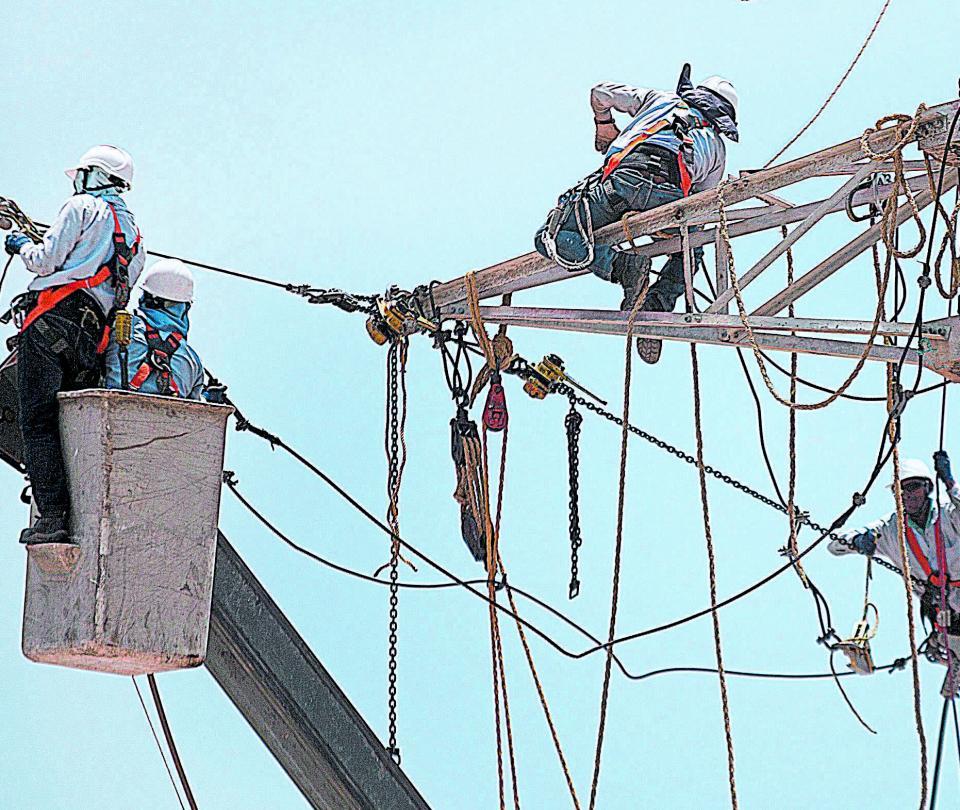 IVA a servicio de energía implicaría un costo adicional de $4 billones | Economía
