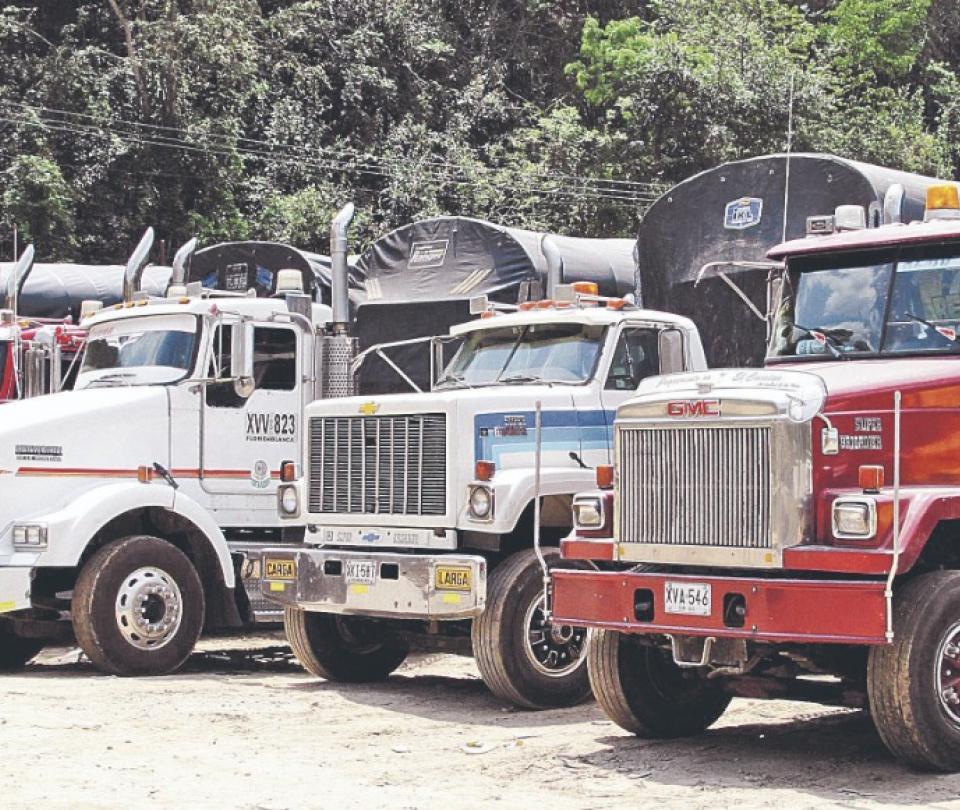 Impuesto vehicular y peajes urbanos alertan al transporte | Reforma tributaria | Economía