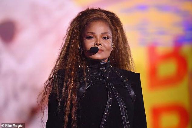 Todo tuyo: Janet Jackson ha puesto a la venta cientos de artículos personales mientras intenta recaudar dinero para una organización benéfica que beneficia a niños pobres de todo el mundo.