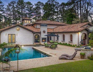 Caro: la villa de estilo toscano de Cobra Kai, hogar del Karate Kid original Daniel LaRusso (interpretado por Ralph Macchio), fue listada por $ 2.65 millones el lunes.