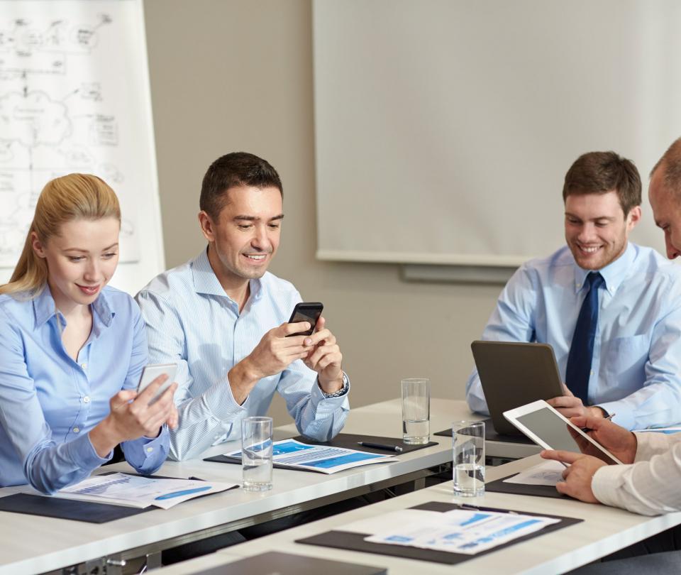 La negociación de acciones a través de celular logra récord | Economía