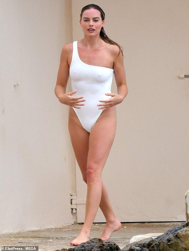 Secretos de Pinup: Margot Robbie tiene una de las figuras más envidiables de Hollywood.  Y esta semana esa estrella, de 30 años, reveló a la edición de mayo de la revista Women's Health UK la dieta que sigue para mantener sus curvas bajo control.  Visto en 2019 en Francia