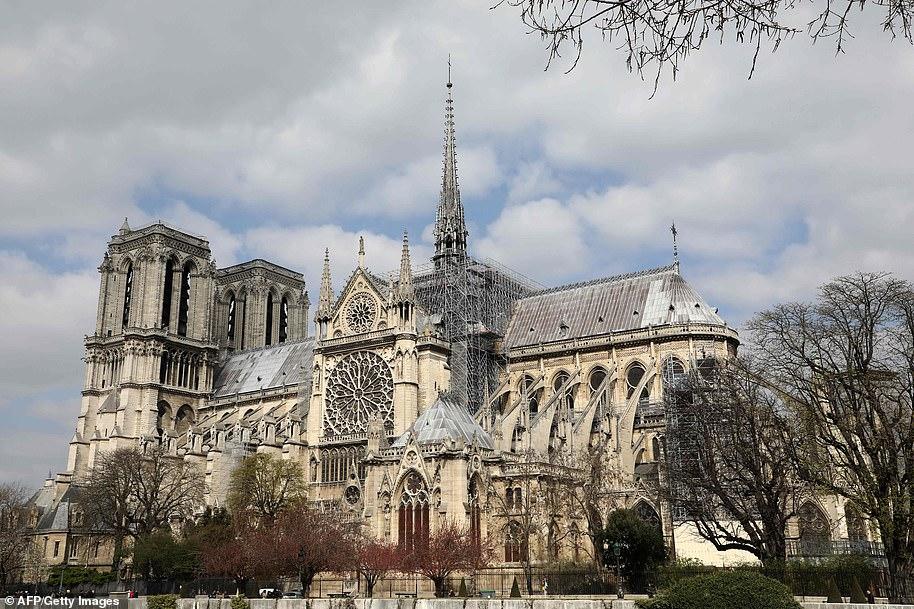 Notre-Dame: bellas imágenes reviven virtualmente la catedral parisina dos años después de su incendio