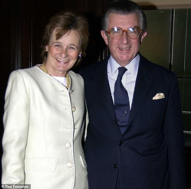 El ex tesorero del Partido Conservador Lord Magan (en la foto con Lady Magan), quien fue declarado en quiebra en noviembre pasado, luchó para que se anulara su quiebra.