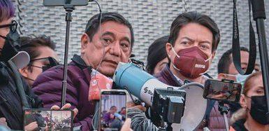 Félix Salgado Macedonio, aspirante a la gubernatura de Guerrero, y Mario Delgado, líder nacional de Morena, trasladaron sus protestas al Tribunal Electoral del Poder Judicial de la Federación (Foto: Twitter / Morena)