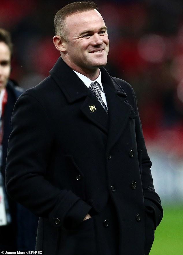 ¿Nueva adquisición?  Según los informes, Wayne Rooney está creando una lujosa sala de whisky y cigarros en su mansión de £ 20 millones
