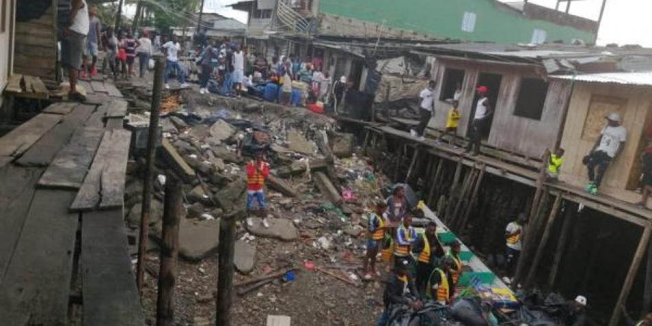Buenaventura, además de violencia, basuras y aún sediento