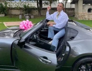 El convertible de Epa Colombia que consiguió gracias a su negocio de keratinas