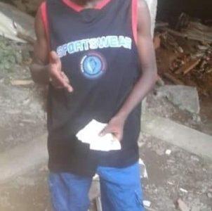 Como Franklin Stewart Castillo, de 19 años de edad, fue identificado el hombre ultimado en el barrio María Eugenia del Distrito Especial de Buenaventura, momento en que transitaba en inmediaciones a su lugar de residencia, donde le conocían como 'Stinky'.