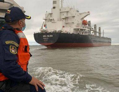 """""""Para frenar la violencia en Buenaventura primero hay que controlar el mar"""", explican los guardacostas de la Armada"""