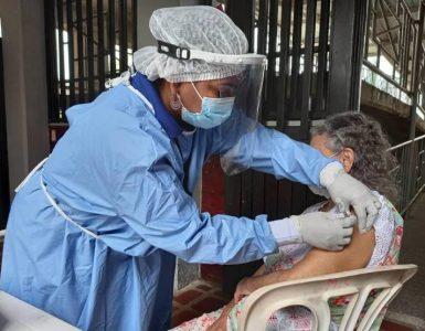 Buenaventura inicia vacunación a mayores de 65 años