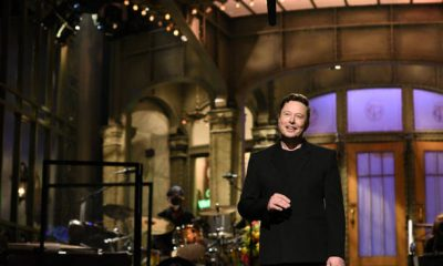 Elon Musk durante su presentación en Saturday Night Live