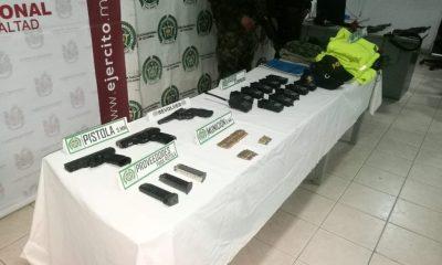 A la cárcel 8 presuntos miembros de la banda Villa Obando, capturados con armamento y material de intendencia de las Fuerzas Armadas