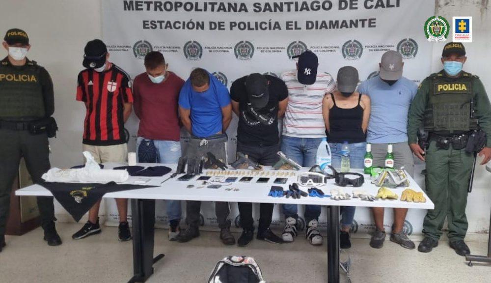 A la cárcel siete personas que presuntamente transportaban sustancias y objetos peligrosos hacia sector de bloqueos Maderas en el oriente de Cali