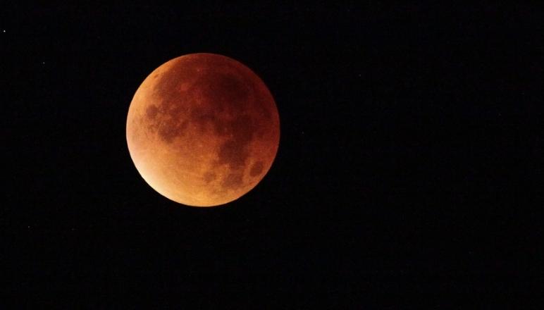 Agotados los pasajes para admirar la superluna de mayo