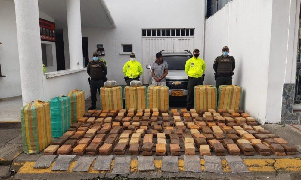 Cárcel para presunto responsable de transportar más de 800 kilos de marihuana en una camioneta