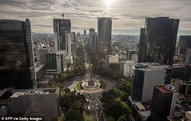 La Ciudad de México se está hundiendo a un ritmo 'imparable' con algunas partes descomprimidas hasta 50 centímetros por año durante las últimas décadas.