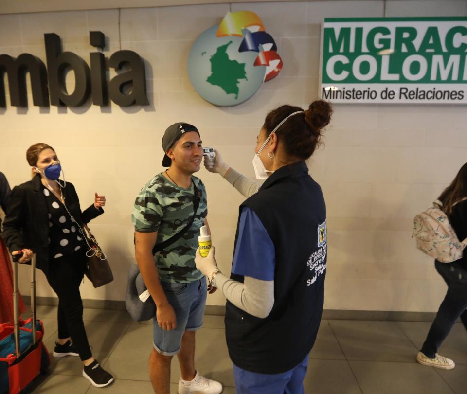 Colombia restringe llegada de viajeros desde India | Gobierno | Economía
