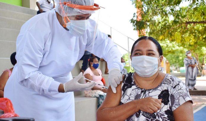 Aspecto de la jornada de vacunación que se realizó este sábado en el casco urbano del municipio de Barrancas.