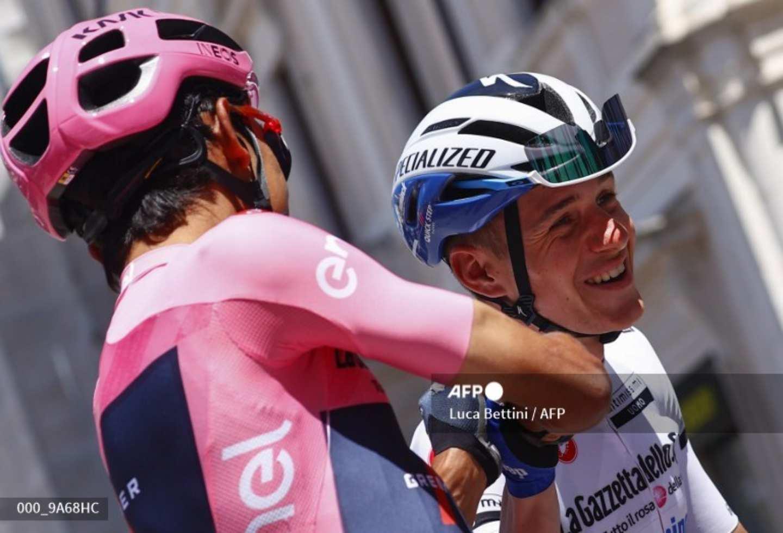 Egan Bernal Giro de Italia 2021: el colombiano bromea con Evenepoel