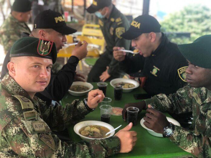 Ejército y ESMAD compartieron alimento y destacaron buen comportamiento de manifestantes