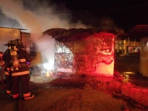Emergencia en Pasto: se incendió caseta de venta de comidas en inmediaciones del estadio Libertad
