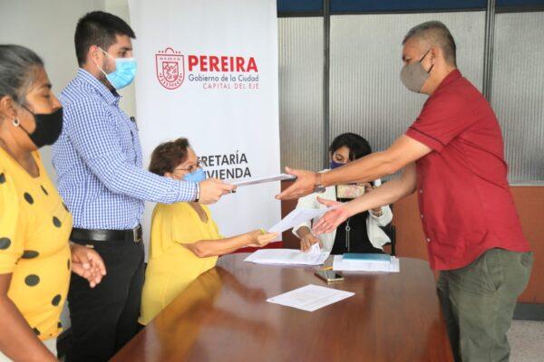 Inició en Pereira la entrega de escrituras del proyecto Terrazas del Palmar