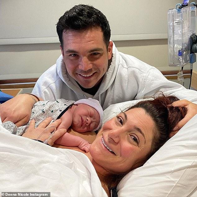 'Los Buckners son ahora oficialmente un grupo de 4': la estrella de Jersey Shore Deena Cortese ha anunciado la llegada de su segundo hijo, un bebé llamado Cameon Theo Buckner